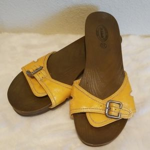 Dr. Scholl's Wood Look Sandals Yellow Sz. 10